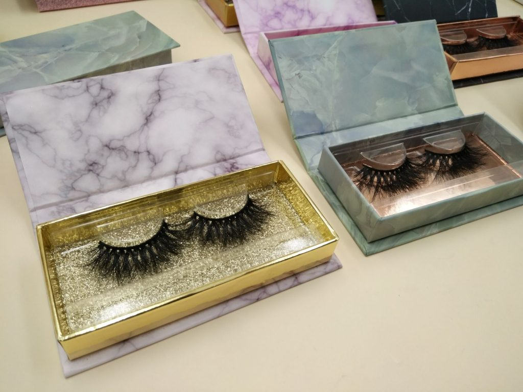 false lashes packaging
