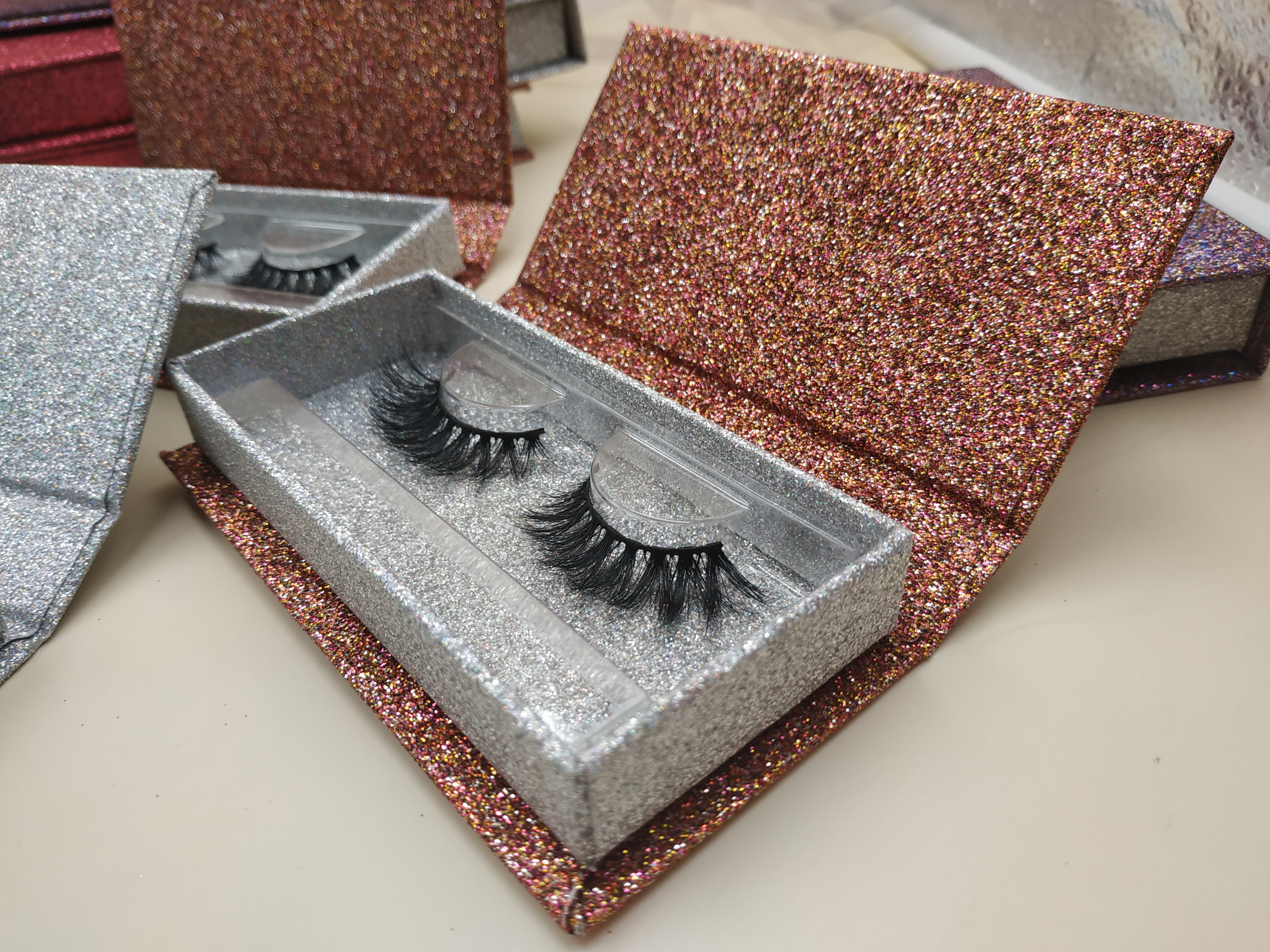 eyelash packaging manufacturers